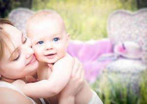 Neurodermitis am Körper von Kindern