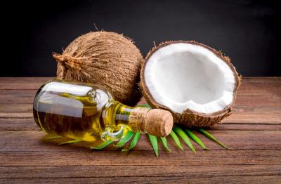 Kokosöl ist gut für Haut und Haare