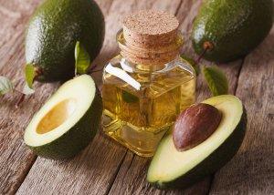 Avocadoöl für Hautpflege bei Neurodermitis und Schuppenflechte
