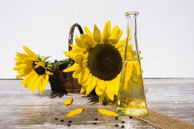 Omega 9 Fettsäuren sind in Sonnenblumenöl vorhanden