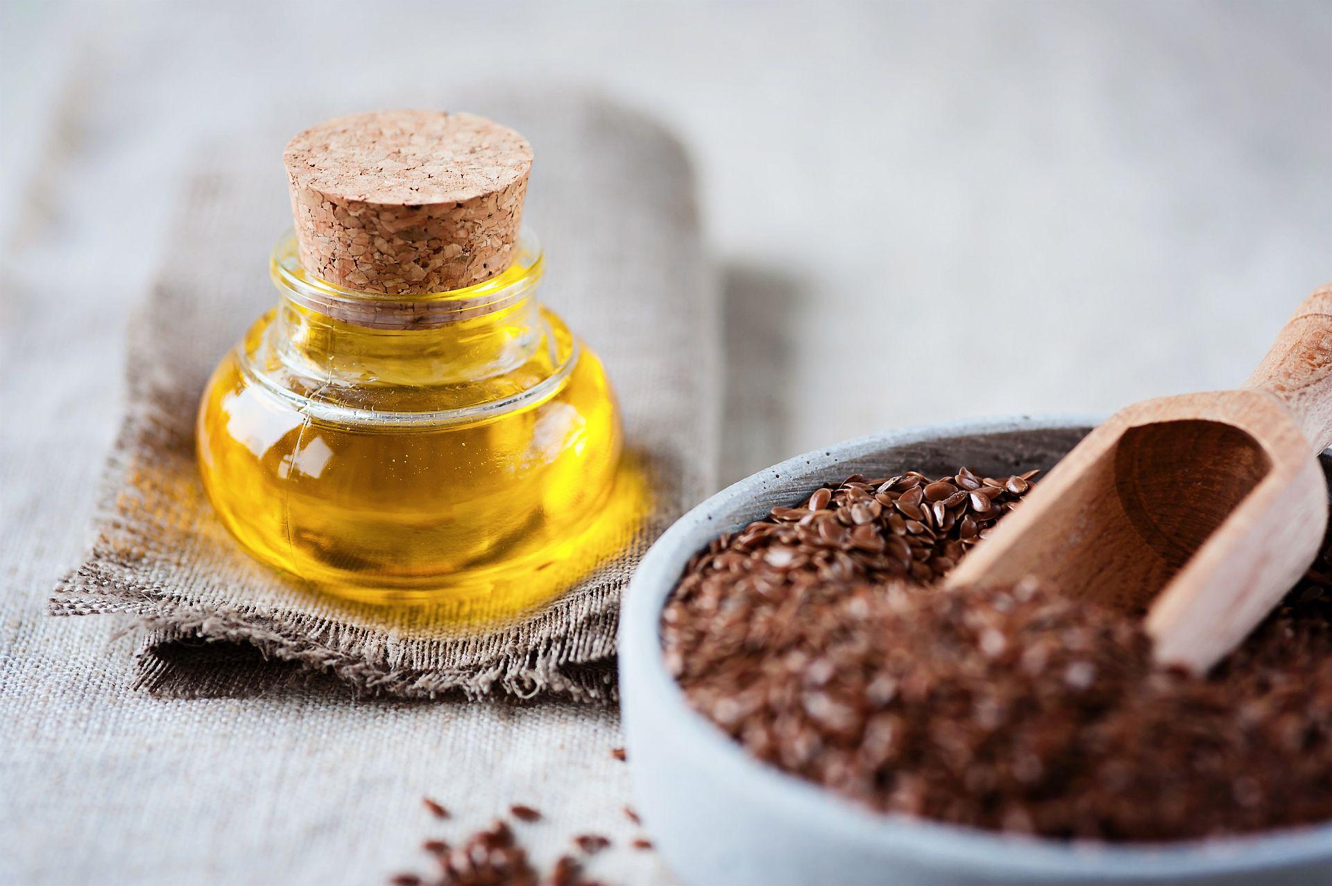 Leinöl und Leinsamen - gute vegane Omega 3 Quellen