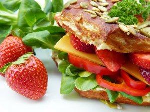 Auch durch eine ausgewogene Ernährung werden Diabetes-Symptome gelindert